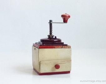 Vintage Red & White Wooden Coffee Grinder / Vintage Coffee Grinder