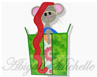 Christmas Mouse Applique, 3 Sizes - Machine Embroidery