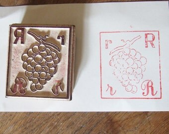 Grapes Rubber Stamp letter R Vintage French Fruit