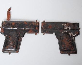 Antique broken metal toy, rustic gun DEAL