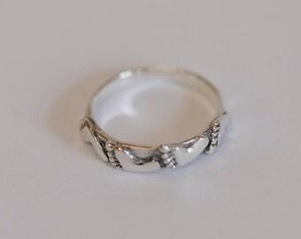 Vintage Sterling Silver 925 Band Ring.. Barefoot Summer Design.. Size 8.5 (#66)