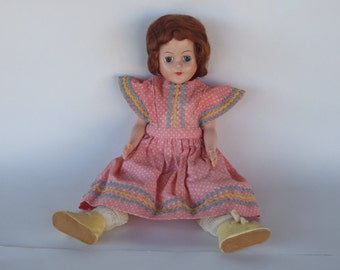 Beautiful Vintage Doll, 1940s, Jointed, Collectible, 11 Inch, Era Clothing