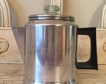 Vintage Comet Stovetop Percolator Coffee Pot with Bakelite Handle - Like New!