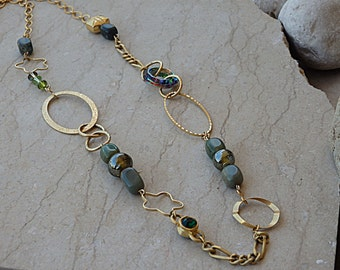Green Link Necklace - Swarovski Beaded Necklace - 14K Gold Filled Necklace - Green Agate Necklace - Gold Hoop Necklace for Women Gift Ideas