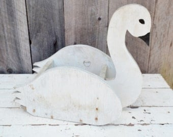Vintage Wooden Swan Planter Box White Chippy Shabby Rustic Handmade Primitive Garden Yard Decoration Flower Pot Lawn Ornament