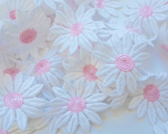 Big Daisy Cotton Daisy Chain Trim- one yard- pink and white