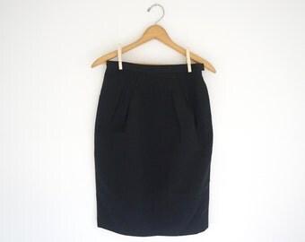 black Albert Nipon classic pleated pencil skirt