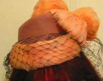 40s 50s Pink Feather Flowers Hat With Black Veil / Fascinator Pink Mauve Hat With Back Band