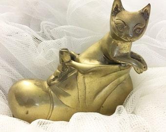 Brass Cat in a Shoe, Collectable cat, Brass cat, Cat home decor
