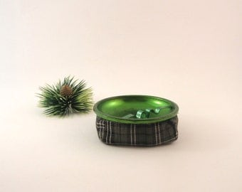 Vintage Bean Bag Ashtray Set and Stay Ashtray Green Metal and Plaid Collectible Tobacciana