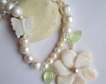 Flower and Butterfly Necklace ./. Romantic Pearl Necklace ./. For a Bride ./. Collier Perles ./. Mother of Pearl ./. Statement Necklace