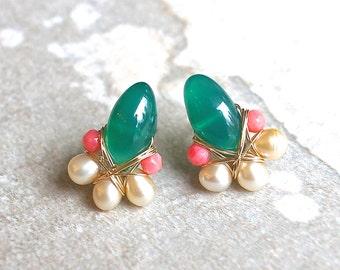 Emerald green cluster gemstone earrings - Green onyx wire wrapped cluster studs earrings - 14k gold filled