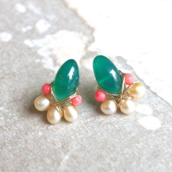 Emerald green cluster gemstone earrings - Green onyx wire wrapped cluster studs earrings - 14k gold filled