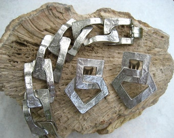 Vintage Brutalist Bracelet Earrings Set Hammered Silver Tone Modernist Open Link Panels