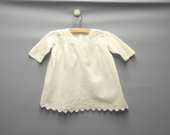 Vintage Baby Clothes, 1940's White Embroidered Long Sleeve Baby Girl Dress, White Baby Dress, Vintage Baby Dress, Size 9-12 Months
