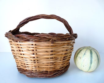 Charming French vintage Basket Hazel - French Kitchen - Harvest Apricot French Countryside Kitchen
