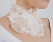 Lace necklace / Bridal necklace / Bridal lace choker / Wedding accessory / Special occasion / Ivory & white laces / Velvet ribbons