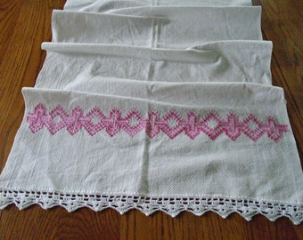 White Cotton Dish Towel / Pink Embroidery / Lace Edge / Zig Zag Design / Absorbent Cotton Towel / Hand Towel / Kitchen Towel / Prairie Girl