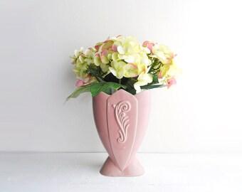 Vintage Pink Ceramic Tulip Vase - Fredericksburg Pottery - Art Deco Style Scrolled Feather