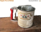 On Sale Androck Hand-I-Sift Sifter with Tulips