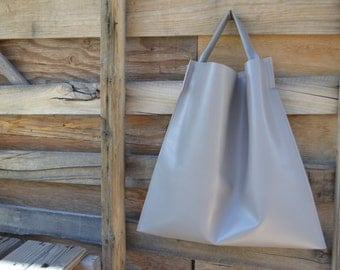 Large Minimalist Leather Tote in Gray
