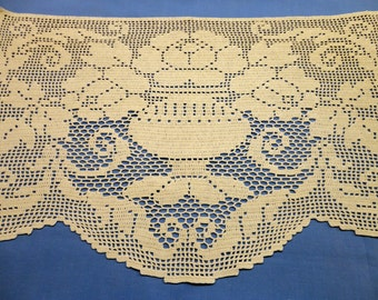 """Vintage Fillet Crochet Doily 1950s/60s - Footed Urn with three Beautiful Roses & trailing leaves, large - 14"""" by 22"""", chair back or to frame"""