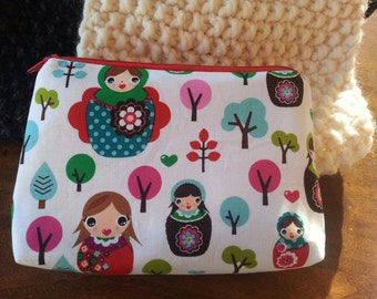 Zipper Pouch - White Russian Dolls