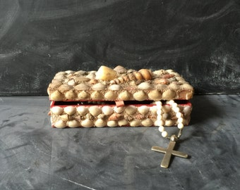 Vintage shell box red felt lined jewelry box treasure box vintage shells table top nautical decor collectors item sea shells