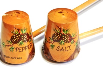 Wooden Sequoia National Park Salt and Pepper Shakers, Vintage Pine Wood Long Handled Woodland Rustic Kitchen Shaker Tableware itsyourcountry