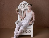 CUT RPICE! Throne 1:4 scale, white (ready-assembled)