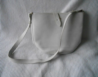 White Leather Bucket Bag Vintage 1980s