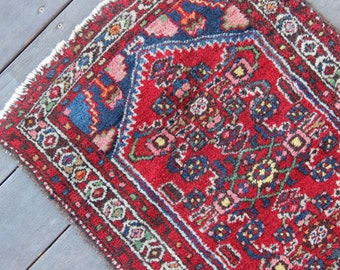 Hand Woven Area Rug Pink Red Blue