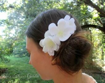 Three white bridal flowers comb, wedding