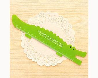19 cm crocodile, alligator ruler