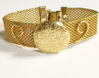 Vintage Gold Mesh Round Photo Locket Bracelet by Sarah Coventry