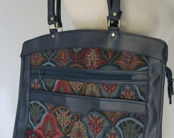 Vintage purse with tapestry