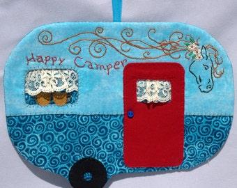 Vintage Trailer Happy Camper Mug Rug -  Blue Swirls Horse