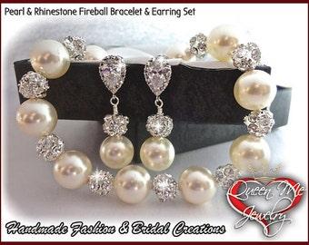 Pearl set ~ Pearl Bracelet and earring set ~ Swarovski pearls and crystals ~ Elegant ~ Bridal Jewelry ~ Bridesmaids ~Prom ~Gift ~ LOLITA