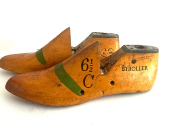 Pair of wooden shoe form