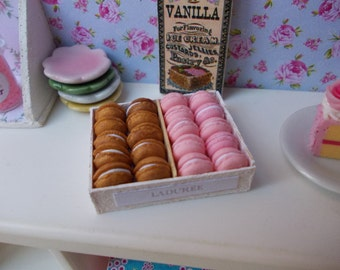 box of macarons , pink and gold , 1.12 th