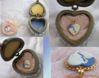 Mother & Child Heart Pendant ~ 14k Gold ~ Chain ~ Blue and White Wedgwood/Jasperware  ~ with Hinged Lid Jewelry Presentation Box ~ Vintage