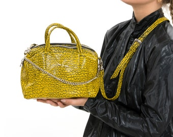 Yellow Bag, Leather Handbag, Everyday Utility Chic Fashion Purse, Trendy Carryall with Removeable Straps