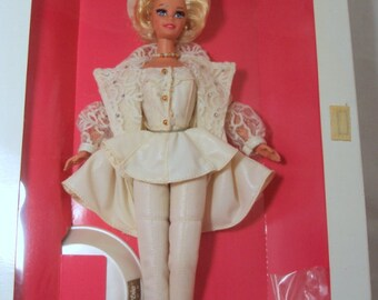BARBIE Uptown Chic 1993 Third in Classique Collection LE NRFB