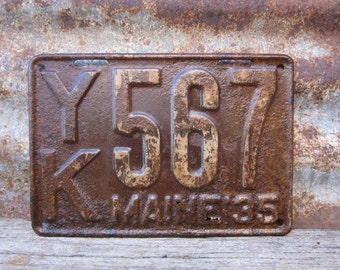 Antique Maine License Plate 1935 Aged Rusted Patina Rusty Number 567 Metal License Plate Tag Chippy Paint Garage Man Cave Rat Rod Car Truck