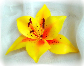 Yellow Tiger Lily Pin