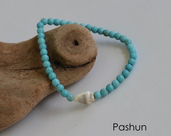 Seashell Jewelry … Small Turquoise Colored Bead With Shell Stretch Bracelet (1408)