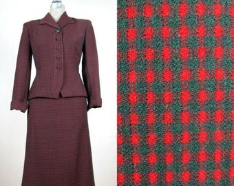 25% Off Summer Sale.... Vintage 1940s Red and Green Plaid Wool Suit 40s Skirt Suit Size 4 Small