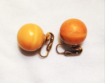 Free Shipping: Vintage Bakelite Clip On Earrings / Butterscotch Orbs / Tested