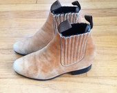 Tan Suede Leather Chelsea Pull On Ankle Boots // 6.5 // Mod // Beatle Boots