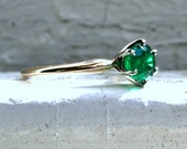 Amazing Vintage 14K Yellow Gold Solitaire Natural Emerald Engagement Ring - 1.00ct.